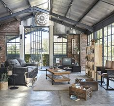 Industrial Interior Design, Industrial Interiors, Industrial House, Home Interior Design, Industrial Bench, Industrial Apartment, Warehouse Living, Warehouse Home, Estilo Industrial Chic
