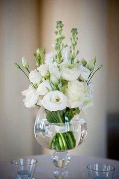 Centrotavola elegante - Vaso in vetro con fiori