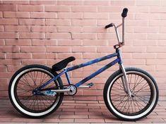 Most Expensive Complete BMX Bike 2019 - Bmx Bikes - Ideas of Bmx Bikes - BMX Bikes. Standing for Bicycle Motocross. Some awesome BMX bike setups and tricks on a BMX jump park. Sunday Bmx, Jump Park, Bmx Bandits, Bmx Mountain Bike, Bmx Parts, Bmx Street, Bike Photography, Bmx Freestyle, Steel Rims