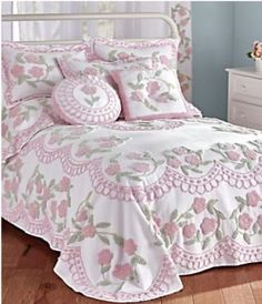 Discover thousands of images about Enchanted Garden Chenille Bedspread & Coordinates Shabby Chic Bedrooms, Shabby Chic Homes, Shabby Chic Furniture, Romantic Bedrooms, Small Bedrooms, Guest Bedrooms, White Bedrooms, Handmade Furniture, Rustic Furniture
