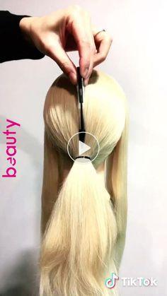 ボ ー ル ペ ン 🖊 # krøllete # japansk hår # 裏 ワ ザ 特集 # curlyh . ボ ー ル ペ ン 🖊 # curlyhair # 裏 ワ ザ 特集 # 巻 き 髪 Juuste stiil juuste stiil - Juuste stiil juuste stiil Juuste stiil juu. Curly Hair Styles, Medium Hair Styles, Cabelo Ombre Hair, Brown Blonde Hair, Pinterest Hair, Hair Videos, Hair Designs, Hair Hacks, Braided Hairstyles