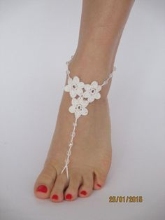 Beach wedding shoes,white crochet barefoot sandals,foot jewelry,wedding a. Foot Jewelry Wedding, Beach Wedding Shoes, White Wedding Shoes, Bridal Jewelry, Beach Jewelry, Footless Sandals, Crochet Barefoot Sandals, Bridal Sandals, Crochet Shoes