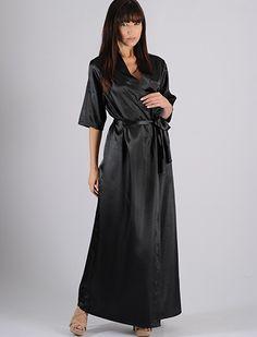 Robe longo feminino em cetim, robe com abertura transpassada, faixa para amarrar e fechar. O robe pode ser usado em conjunto com camisolas e... http://www.rmdlingerie.com.br/prod,IDLoja,8529,IDProduto,1815638,robe-robe-feminino-robe-longo-feminino-em-cetim---ap18