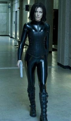 Underworld Selene. Sheu0027s so badass!  sc 1 st  Pinterest & 9 best Underworld images on Pinterest | Underworld movies ...