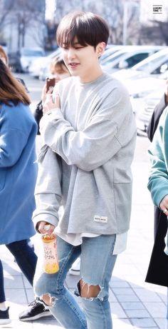 My squishy Hoshi 💖❤ Seventeen Soonyoung, Hoshi Seventeen, Seventeen Debut, Woozi, Jeonghan, Hip Hop, Carat Seventeen, Choi Hansol, Won Woo