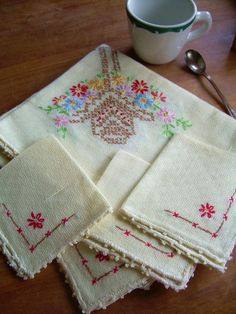 Vtg Embroidered Linens (French)..1950's