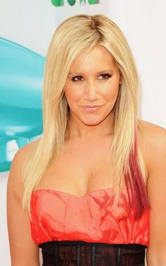 Ashley Tisdale wearing a strapless red dress to attend the the 2012 Kids'Choice Awards red carpet! 100 Human Hair, Human Hair Wigs, Ashley Tisdale Hair, Wig Hairstyles, Straight Hairstyles, Zack Et Cody, Ashley Michelle, Barbie Hair, Celebs
