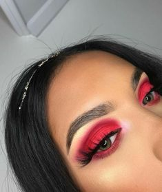 Make Up; Look; Make Up Looks; Make Up Augen; Make Up Prom;Make Up Face;Lip Makeup;Eyeliner, Mascara Source by Red Eyeshadow Makeup, Eyeshadow Looks, Skin Makeup, Beauty Makeup, Eyeliner, Eyebrows, Metallic Eyeshadow, Makeup Box, Drugstore Makeup