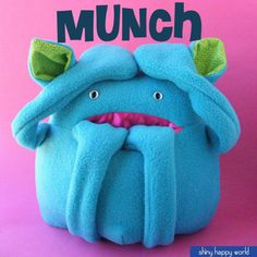 Munch - a softie pattern for a monster with a pocket mouth... would make a great Christmas gift for one of my nieces or nephews