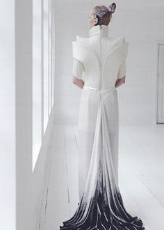 › Ilja Visser | Exclusive Couture line with an artistic approach to fashion