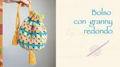 Bolso con granny redondo tejido a crochet / Crochet round granny handbag
