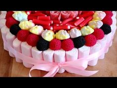 Tarta de Chuches - Candy Cake for Sweets Lovers | HappyFoods - YouTube