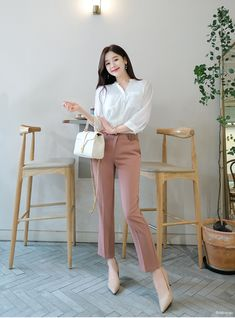Women Clothing Names Korean Fashion Work, Korean Fashion Trends, Korea Fashion, Classy Work Outfits, Business Casual Outfits, Chic Outfits, Work Attire Women, Office Outfits Women, Korean Summer Outfits