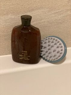 I have tried all sorts of shampoos to give volume for my hair but this one has made a genuine difference. The botanical-rich formula works hard to build body, fortifying, strengthening, and plumping strands for hair that's full of healthy bounce and volume. #oribe #oribeobsessed  #briogeo Beauty Tips, Beauty Hacks, Shampoos, Strands, Things That Bounce, My Hair, Perfume Bottles, Bee, Skin Care