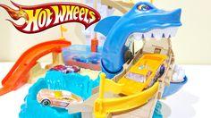 Hot Wheels Color Shifters Sharkport Showdown Trackset !