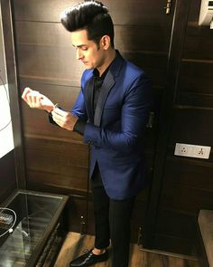 Looking smart and dashing Mtv Splitsvilla, Best Photo Background, Smart Boy, Cute Stars, Secret Crush, Boys Dpz, Star Pictures, Groom Wear, Cute Girl Photo
