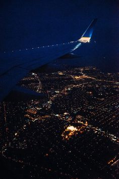 68 Ideas For Travel Airplane City Lights Sky Aesthetic, Travel Aesthetic, Airplane Photography, Travel Photography, Airplane Window View, Photo Instagram, Adventure Is Out There, City Lights, Night Skies