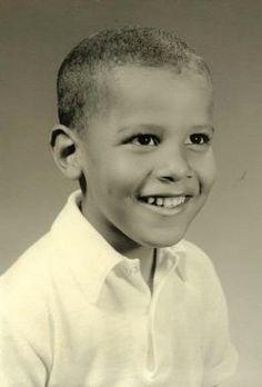 Young Barack Obama, shown in an undated photograph provided by Obama's half sister, Maya Soetoro-Ng.Malia Obama and my dad mom. Barack Obama Childhood, Barack Obama Family, First Black President, Mr President, Black Presidents, American Presidents, Greatest Presidents, Obama Photos, Presidente Obama