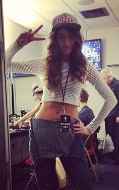 Eleanor Calder (Danielle Peazer 's instagram) WHY IS SHE SO PRETTY AND FIT?! I want to be her.