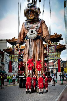 Street puppets Liverpool ....♥