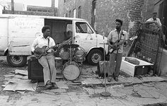 Mississippi Blues Band -- 1982 J. Mississippi Blues Band is hand written on the van. Note the old junked bathtub and mattress spring to the right. Jazz Blues, Blues Music, Chicago Blues Festival, When The Levee Breaks, Chicago Neighborhoods, Delta Blues, Blues Artists, Music Images, Hand Written