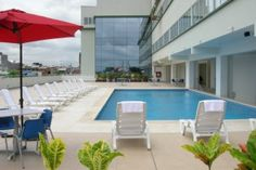 Ubicado estratégicamente en la mejor zona comercial y financiera de Pucallpa, Costa del Sol Wyndham promete ser la mejor opción para el público ejecutivo, con áreas funcionales y modernas. El hotel cuenta con 102 habitaciones, 8 salas de conferencias con capacidad de hasta 500 personas, piscina y gimnasio.