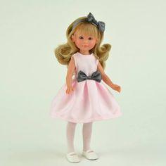Descubre a CELIA, la muñeca más elegante de la Colección de muñecas de tiendas #ASI. Cambia su ropita y encuentra tu vestido favorito en tu tienda Zielo Shopping Pozuelo. #Zielo #ideaspararegalar