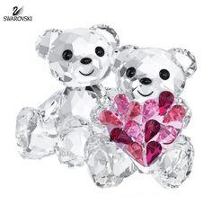Swarovski Crystal Figurine KRIS BEAR IN LOVE Holding a Heart #5004526