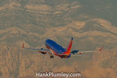 N436WN Southwest Airlines, Boeing 737-7H4 c/n 32456, departs KLAS, McCarran International Airport November 2011  #AvGeek #aviation #photos