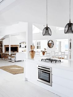 16 ideas kitchen interior design white beach houses for 2019 Style At Home, White Beach Houses, South African Homes, African House, Casa Loft, Beachfront House, Sweet Home, Beach House Decor, Home Decor