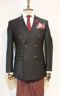 http://urun.n11.com/takim-elbise/victor-baron-yeni-sezon-ekoseli-kruvaze-takim-elbise-98-2-P101090319