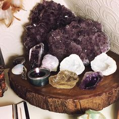 "330 Likes, 3 Comments - Jaye (@spookyjaye) on Instagram: ""I'm sad because I need to start packing all my crystals but I'm also happy because soon I'll be…"""