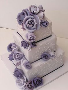 Victorian Lilac Wedding Cake / Cakesalouisa, this but deep purple flowers and a olive ribbon! Wedding Cake Fresh Flowers, Purple Wedding Cakes, Wedding Cakes With Cupcakes, Elegant Wedding Cakes, Elegant Cakes, Beautiful Wedding Cakes, Gorgeous Cakes, Wedding Cake Designs, Pretty Cakes