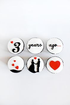 Fascinating Valentine's Day Cupcake Ideas that Kids Will Love Aniversary Cakes, Anniversary Cupcakes, Fondant Cake Designs, Fondant Cupcakes, Cake For Husband, Valentine Day Cupcakes, Gula, Custom Cupcakes, Wedding Cupcakes