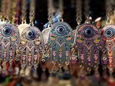 Eyes on you ... Khmissat ^^