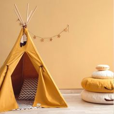 Tentes, cabanes et tipis // Hellø Blogzine blog deco & lifestyle www.hello-hello.fr Mustard Yellow Curtains, Mustard Yellow Paints, Mustard Yellow Bedrooms, Mustard Yellow Decor, Teepee Kids, Teepee Tent, Teepees, Room Colors, Kids Furniture