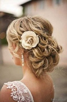221 wedding hairstyle for medium hair (149)