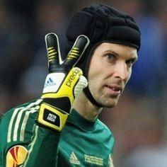 Petr Cech Bingung Antara Italia atau Inggris