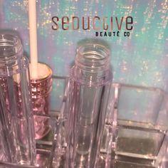 Lip Gloss Homemade, Diy Lip Gloss, Lip Gloss Colors, Clear Lip Gloss, Glossy Makeup, Glossy Lips, Lip Makeup, Lip Gloss Containers, Gloss Labial
