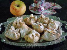 Krucho-drożdżowe sakiewki z jabłkami - PrzyslijPrzepis.pl Garlic, Vegetables, Food, Essen, Vegetable Recipes, Meals, Yemek, Veggies, Eten