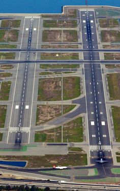 Runways and taxiways @ San Francisco International Airport (SFO) California. Airport Design, Air Traffic Control, Airplane Pilot, Commercial Aircraft, Civil Aviation, Air Travel, International Airport, Aerial View, Planer