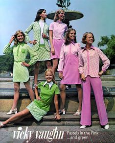 Vintage style with Vicki Vaughn. Invasion of the Polyester years! Polyester in pink and green!I still hate polyester anything to this day! 70s Vintage Fashion, 60s And 70s Fashion, Seventies Fashion, Love Fashion, Fashion Design, Pastel Fashion, Fashion Models, 70s Outfits, Vintage Outfits