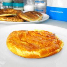 Fitness toasty ve vaječném županu Cloud Bread, Cornbread, Granola, Pineapple, Protein, Food And Drink, Low Carb, Pie, Healthy Recipes