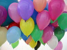 Τα ομαδικά παιχνίδια με τα μπαλόνια είναι πολύ διασκεδαστικά! Για να δούμε μερικά από αυτά. Τι χρειαζόμαστε; Μπαλόνια και κέφι! 1. Τ...