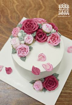 rose petals cake made by Alice