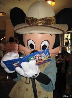 Top 6 Tips for Getting Autographs at Walt Disney World! #WDW #Disney