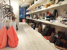 Conceptstore Jan Amsterdam is de beste plek om een cadeautje te vinden! Ontdek deze en meer hotspots in de Amsterdam City Guide >>