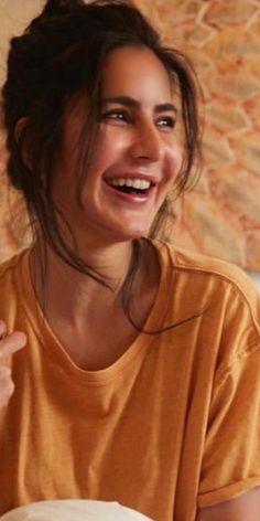 Katrina Kaif Wallpapers, Katrina Kaif Images, Katrina Kaif Hot Pics, Katrina Kaif Photo, Indian Celebrities, Bollywood Celebrities, Beautiful Celebrities, Beautiful Actresses, Indian Actress Images