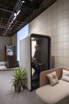 PodBooth is designed to bring a peaceful atmosphere to its surroundings. With its outstanding sound insulation PodBooth generates silence for the whole office, while creating a private space within the booth. Plywood Edge, Knowledge Worker, Seat Available, Acoustic Wall, Laminated Glass, Sound Absorbing, Sound Proofing, Round Corner, Scandinavian Design