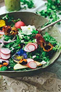 Wildflower & Arugula Salad with Orange Blossom Vinaigrette & Farmer's Cheese Big Tasty, Raw Food Recipes, Healthy Recipes, Farmers Cheese, Orange Salad, Flower Food, Arugula Salad, Orange Blossom, Vinaigrette